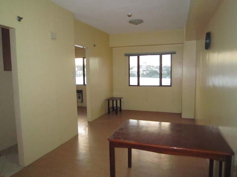 LONG TERM RENTAL: Unfurnished Studio type Condo with one bedroom layout in One O