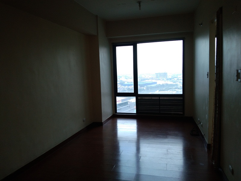 FOR SALE: Studio type Condo with 1 bedroom layout in Eastwood Parkview 2
