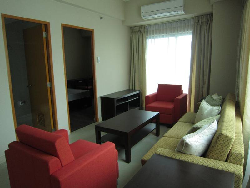 MINIMUM 6 MONTHS CONTRACT: One Bedroom Condo with Balcony in Eastwood Park Resid