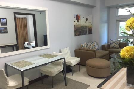FOR SALE: 40sqm furnished 1-bedroom condo with parking in Eastwood Legrand