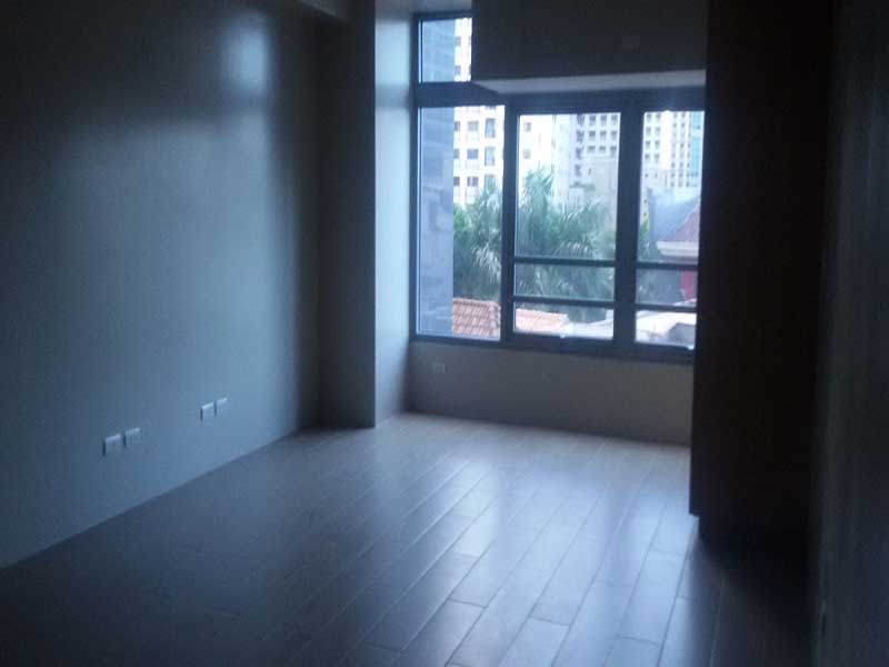 MINIMUM 6 MONTHS CONTRACT: Unfurnished Studio type Condo in Eastwood Legrand
