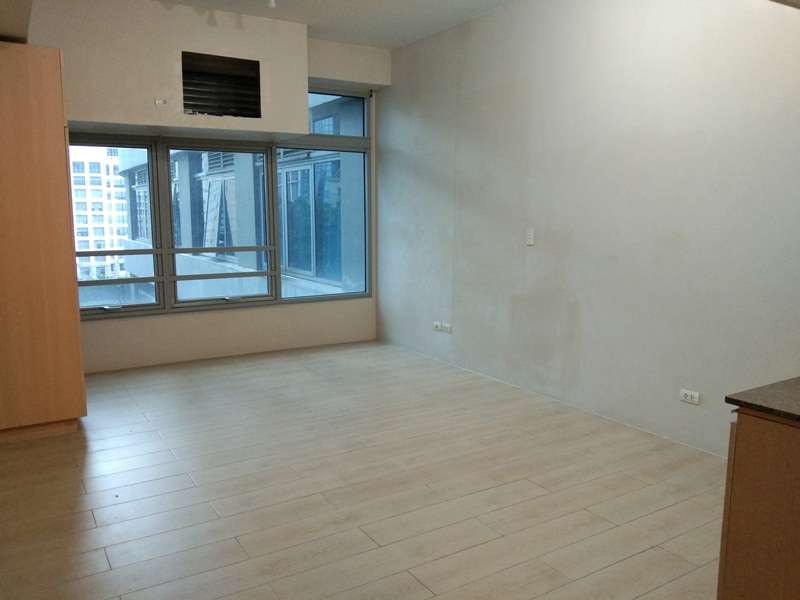LONG TERM RENT: Unfurnished Studio type Condo in Eastwood Legrand Tower 3